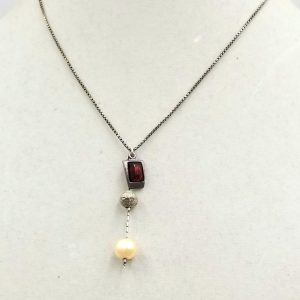 #00761. Sterling silver, Baltic amber & fresh-water cultured pearl pendant necklace. $39